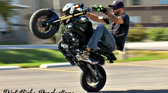 Honda Grom stunts – Matt Carpanini