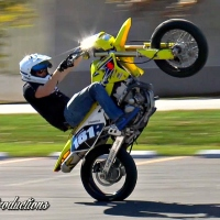 MICHAEL JUNCKER WHEELIES THE DRZ400 AT THE STUNT LOT