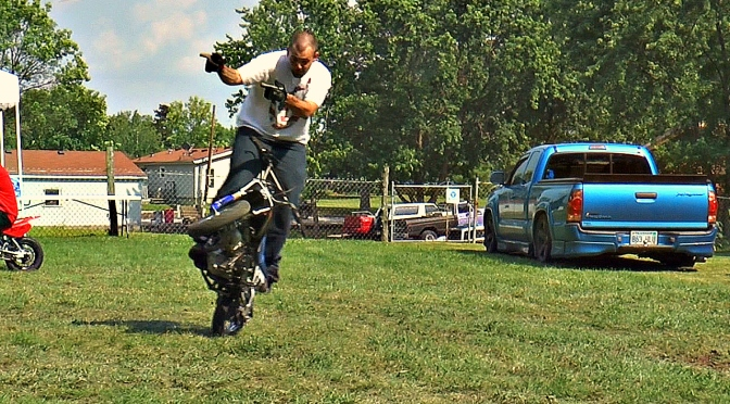 HAPPY TANKS NO HANDED CIRCLES IN THE GRASS – DUDE DATE 2015 – FIDDY FRIDAY – KC 50 MOB
