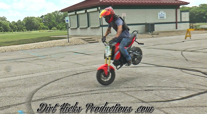 WILL THE HONDA GROM WHEELIE OUT OF A 180 SHUFFLE? RYAN GARDNER, GAGE SUTTON, MICHAEL HANES – MSX125